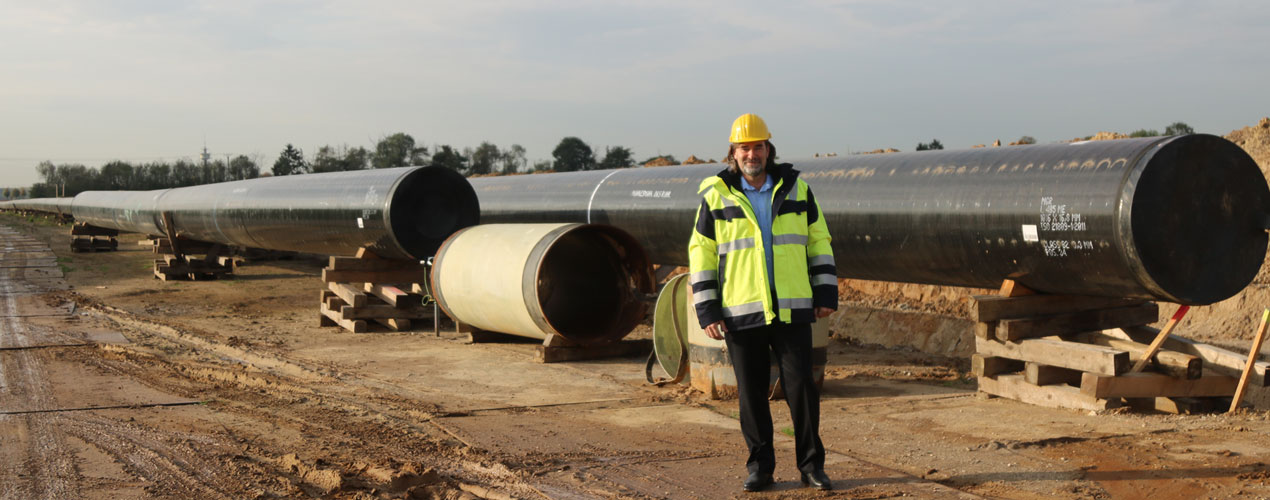 Udo Brands, Projektleiter Erdgasumstellung, an der Baustelle der neuen Zeelink-Pipeline zwischen Willich und Osterath
